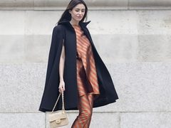 Moda strazii la London Fashion Week. Vezi cele mai cool tinute ale fashionistelor!